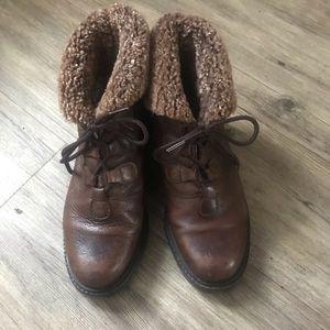 La Canadienne brown leather lace up booties sz 7